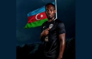 Ganalı yıldız Essien, Azerbaycan şehitlerini unutmadı