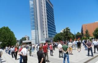 Kosova'da gazilerden Lahey'deki mahkemeye tepki:...
