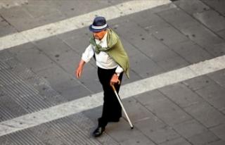 Pandemi sürecinde yetersiz fiziksel aktivite yaşlılarda...