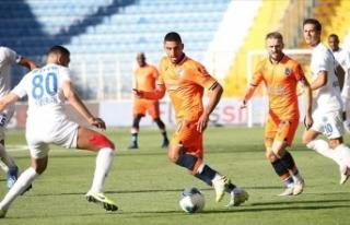 Şampiyon Medipol Başakşehir sezonu mağlubiyetle...