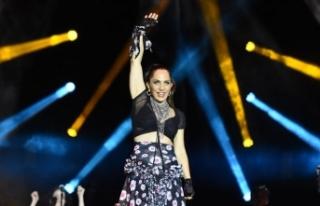 Sertab Erener yeni albümünün konserini Yenikapı'da...