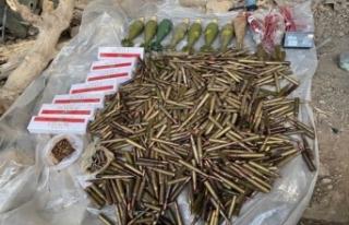 Terör örgütü PKK'ya ait çok sayıda silah ve...