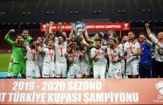 Trabzonspor kupasını aldı