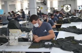 Akdenizden hazır giyim ve konfeksiyon ihracatı yüzde...