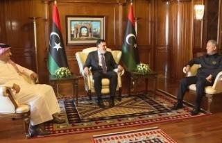 Bakan Akar, Libya Başbakanı Serrac ve Katar Savunma...