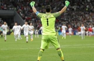 Claudio Bravo, Manchester City'den ayrıldı