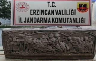 Erzincan'da lahit mezarını satmaya çalışan...