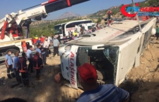 Mersin'de askerleri taşıyan otobüs kazasından...