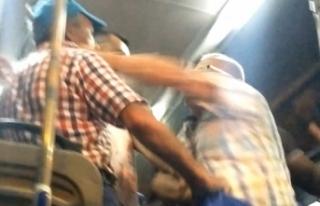 Minibüste yaşlıların maske kavgasında yumruklar...