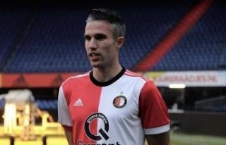 Robin van Persie Feyenoord'da yardımcı antrenör...