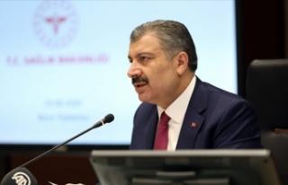 """Sağlık Bakanı Koca'dan gençlere """"koronavirüse..."""