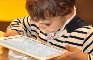 'Teknolojiyi kontrolsüz kullanan çocuklar obez...