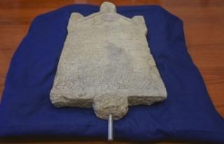 1800 yıllık yazıtın Türkiye'ye getirilmesi...