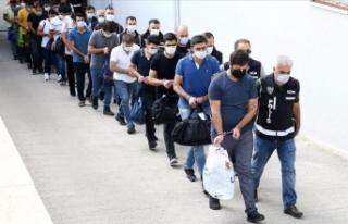 Adana merkezli 15 ildeki FETÖ operasyonunda gözaltına...