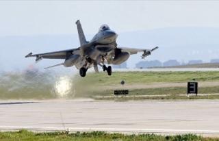 Akdeniz Fırtınası-2020 Tatbikatı'nda F-16'ların...