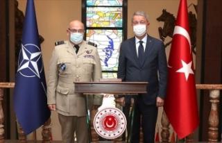 Bakan Akar NATO Askeri Komite Başkanı Peach ile...