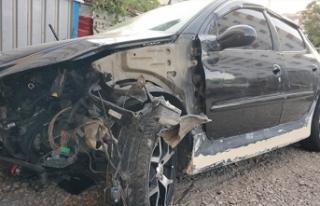 Çalıntı araçla kaza yaptılar: 3'ü ağır...