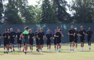 Denizlisporlu oyuncular Beşiktaş maçında puan...