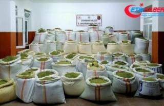 Diyarbakır'da 1 ton 756 kilogram esrar ve 90...