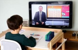 EBA'da 900 bin sanal sınıfta öğretmenler...