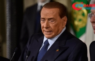 Eski İtalya Başbakanı Silvio Berlusconi Kovid-19'a...