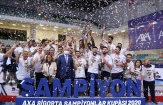 Fenerbahçe HDI Sigorta şampiyonlar kupasının sahibi...