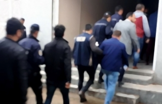 İzmir'de FETÖ'nün hücre evlerine yönelik...