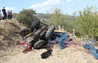 Freni tutmayan üzüm yüklü traktör uçuruma düştü:...