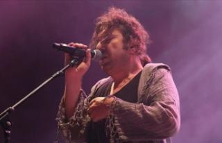 Gözaltına alınan şarkıcı Halil Sezai serbest...