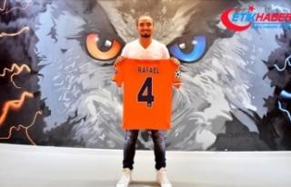 Medipol Başakşehir, Brezilyalı futbolcu Rafael'i...