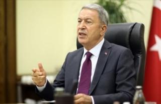 Milli Savunma Bakanı Akar'dan Yunan gazetesinin...
