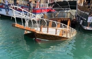 Şanlıurfa'nın Halfeti ilçesinde tur teknesi...