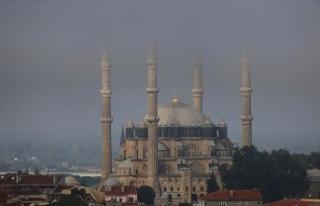 Sis bulutunun kapladığı Selimiye eşsiz güzellikler...