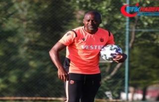 Trabzonspor'da Eddie Newton'u sakatlıklar düşündürüyorv