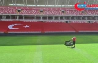 Yeni 4 Eylül Stadyumu'nda milli maç hazırlığı...