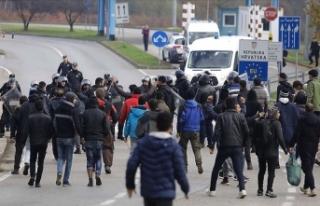 AB üyesi Hırvatistan'da polisin göçmenlere...