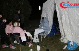 AFAD: Depremzedeler için gıda kolisi ve battaniyeye...
