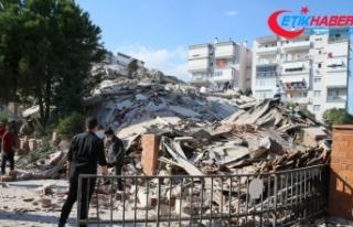 AFAD, İzmir'deki depremde 4 kişinin hayatını...