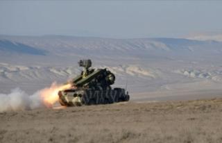 Azerbaycan ordusu Ermenistan ordusuna ait Su-25 savaş...