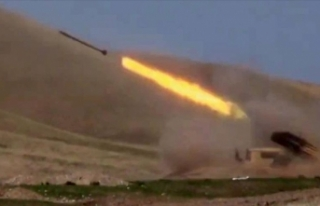 Azerbaycan ordusu 'yenilmez Ermenistan ordusu'...