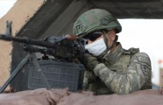 Barış Pınarı bölgesine taciz ateşi açan 3 PKK/YPG'li...