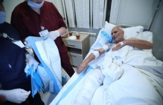 Berde'deki füzeli saldırıda yaralanan siviller...