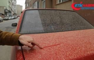 Çöl tozu Türkiye'nin batı kesimlerinde çamurlu...