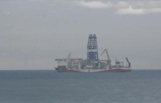 Fatih Sondaj Gemisi bakım için Zonguldak açıklarına...