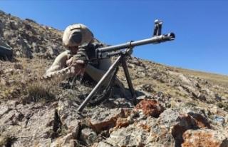 Suriye'nin kuzeyinde PKK/YPG'li 2 terörist...