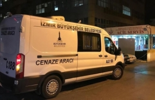 İzmir'de sahte içkiden zehirlendiğini belirterek...