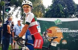 Kamyonun çarptığı bisiklet sporcusunun cenazesi...
