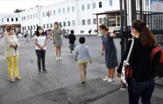 Milli Eğitim Bakanı Selçuk: Okul binalarına girmeyerek...