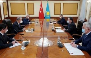 Milli Savunma Bakanı Akar, Kazakistan Başbakanı...