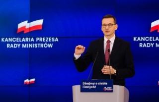 Polonya Başbakanı Morawiecki kendisini karantinaya...